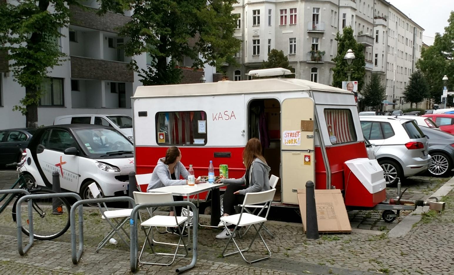 Streetwork-Projekt mit Wohnwagen